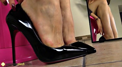 Nylon foot, Nylon feet, Barely