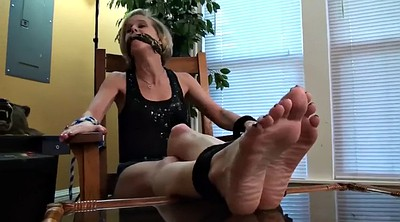 Worship, Tied feet