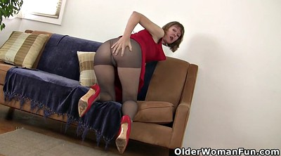 Pantyhose, Mature pantyhose, Rubbing