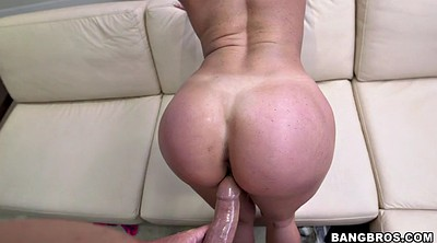 Kendra lust, Kendra lust, Stand, Standing