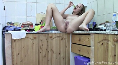Kitchen, Caught