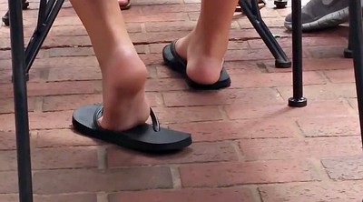 Candid, Foot