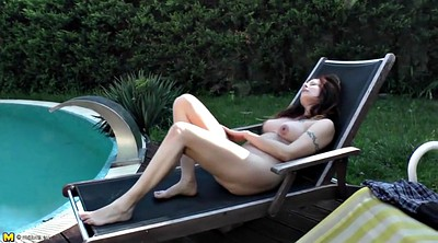 Pissing, Mommy, Mature piss, Outdoor piss, Mommies, Granny masturbation