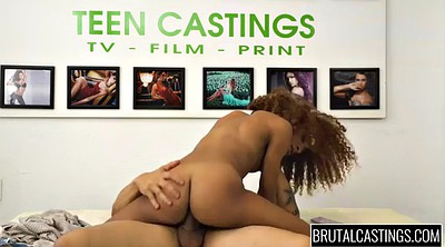 Teen, Casting