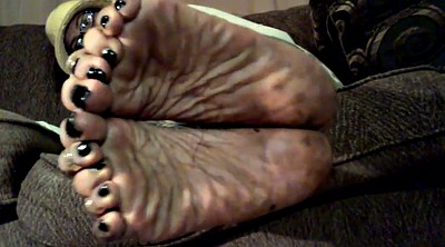 Mature feet, Wrinkled soles