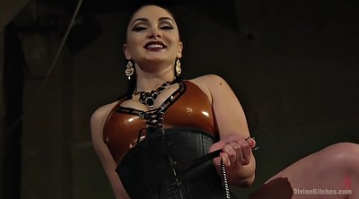 Face, Lexi, Latex strapon