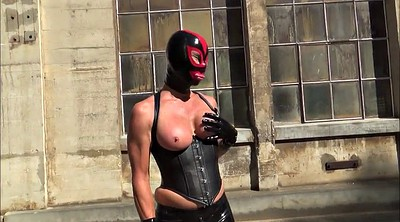 Latex, Bdsm outdoor