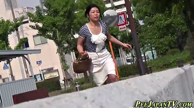 Japanese piss, Peeing public, Japanese pissing, Public pee, Pissing outdoor, Asian piss