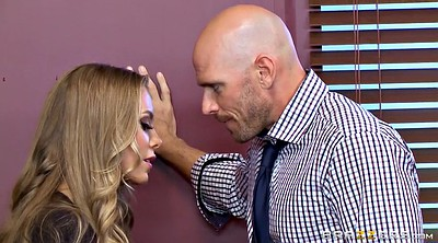 Nicole aniston, Boss