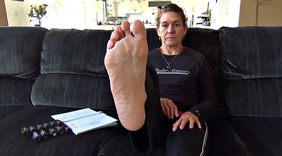 Mature feet, Sweaty