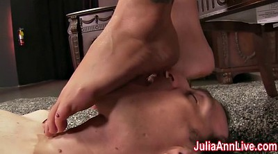 Julia, Milf feet
