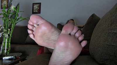 Mature feet, Mom foot, Mom feet