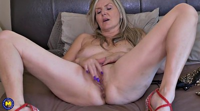 Sex mom, Velvet skye
