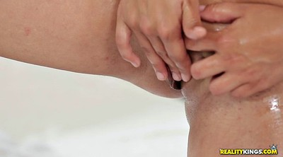 Milf solo, Play