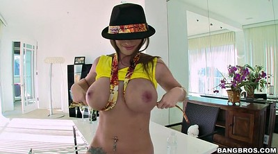 Puffy, Brooklyn chase, Solo tease, Chase