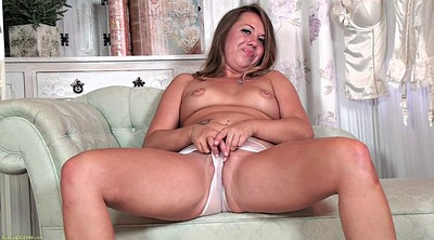 Solo shaved fingering, Mature woman, Chubby mature