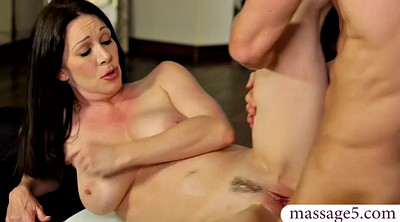 Rayveness, Busty massage