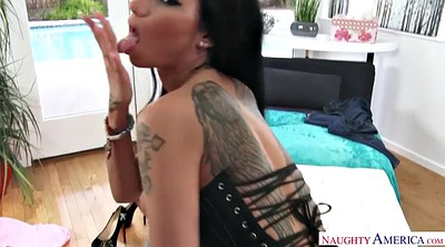 Spanked and fucked, Raven
