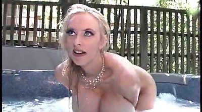 Snow, Blonde milf