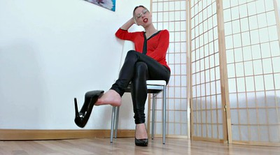 German, Mistress foot