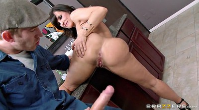 Monster, Lisa ann, Ann