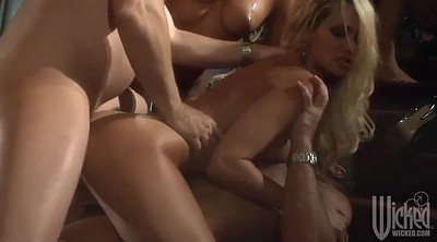 Vixen, Group sex orgy