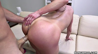 Kendra lust, Standing