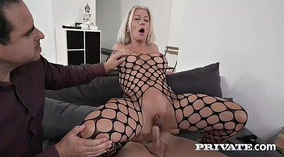 Hot wife, French cuckold