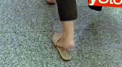 Flat, Milf foot, Sexy milf, Sole, Sandals, Mature sexy