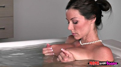 Kendra lust, Shower