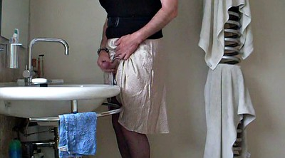 Crossdress, Dress