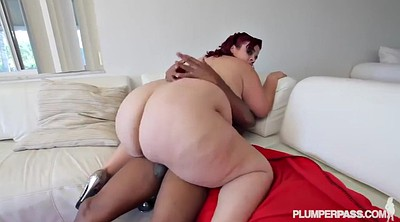 Redhead creampie, Changing