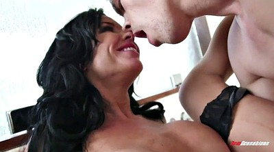 Mother, Veronica avluv, Avluv