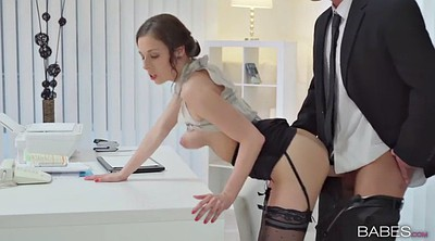 Hot office, Smoking blowjob