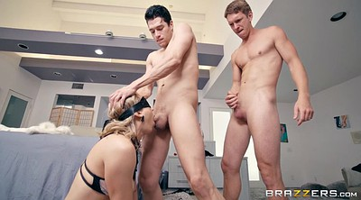 Blindfold, Lily labeau