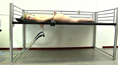 Teen solo, Hucow, Restrained