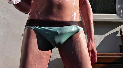 Gay cum, Bulge