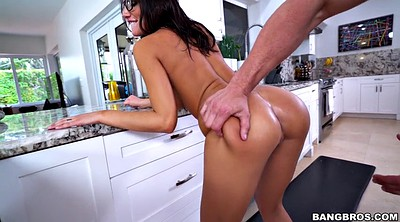 August ames, Big buttocks, August, Ass shaking