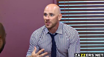 Johnny sins, Leader