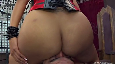 Moms, Happy, Kiara mia, Mom handjob, Mom ass, Handjob mom