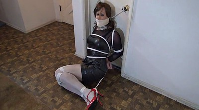 Tied, Crossdressing