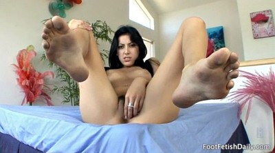 Feet, Teen solo