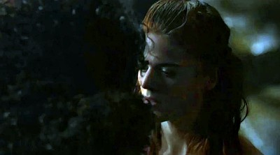 Kiss, Game of thrones