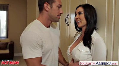 Kendra lust, Sexy mom
