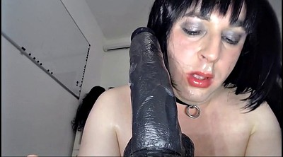Crossdresser, Dildo sucking