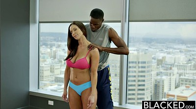 Kendra lust, Fitting