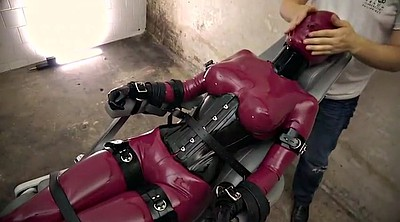 Arab, Latex bondage
