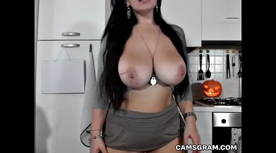 Huge boobs, Solo amateur