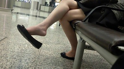 Asian foot, Candid legs