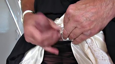 Nylons, Cock flashing